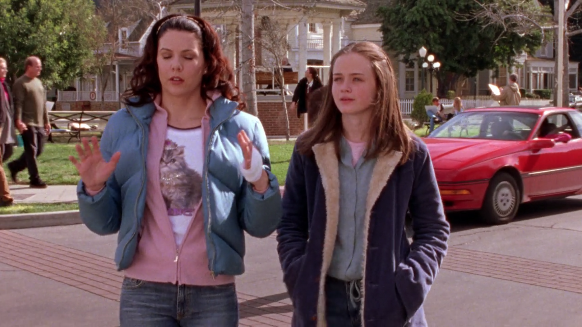 Lorelais-Cat-Shirt-Lost-and-Found-Gilmore-Girls