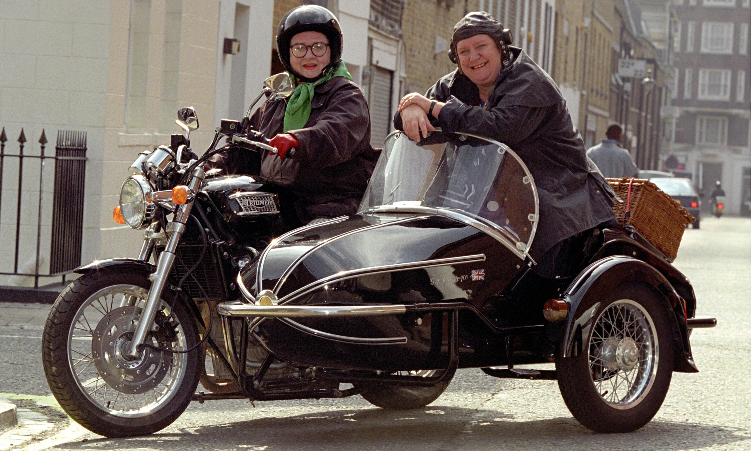 Two-Fat-Ladies-Clarissa-Dickson-Wright-and-Jennifer-Paterson-Motorcycle
