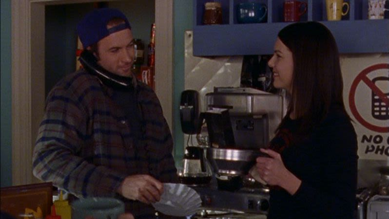 Lorelai-and-Luke-Coffee-Dead-Uncles-and-Vegetables-Gilmore-Girls-1