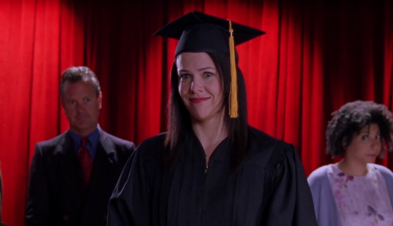 Lorelai-Graduates-Lorelai-s-Graduation-Day-Gilmore-Girls