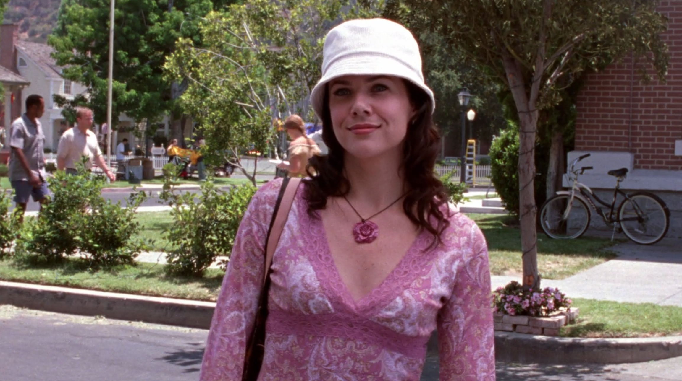 Lorelais-Fugly-Bucket-Hat-Those-Lazy-Hazy-Cray-Days-Gilmore-Girls