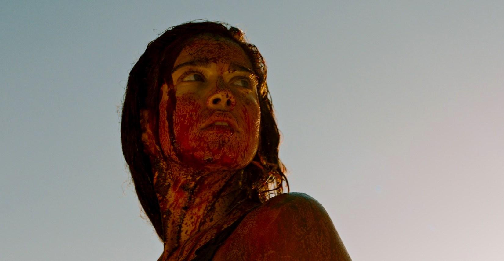 Bloody-Coralie-Fargeat-Revenge