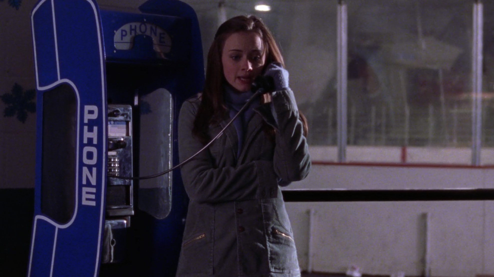 Rory-Pay-Phone-Face-Off-Gilmore-Girls