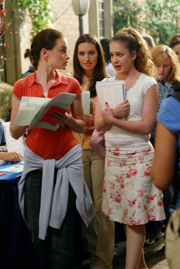 The Lorelais' First Day at Yale | Gilmore Girls | Woman in